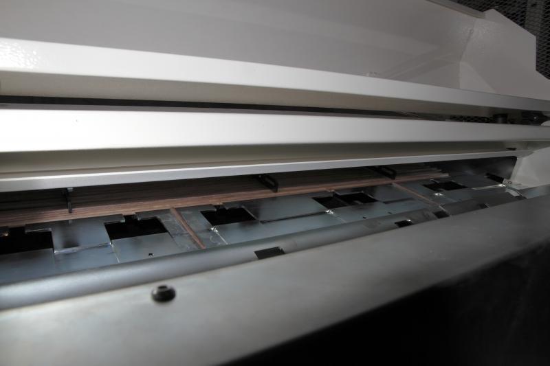 Durch den adaptierten Stangenlader kann die AS-200 auch mannlos produzieren.