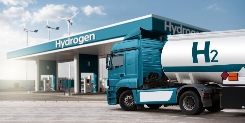 """Für manchen Experten ist er der """"Champagner"""" der Energiewende. Bundesverkehrs-minister Andreas Scheuer will ihn zum """"Tafelwasser"""" machen. Funktioniert das? Und reicht es aus, die Kosten für die Wasserstofftechnologien zu senken?"""