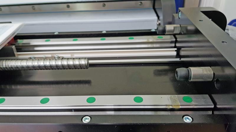 Die LISCO GmbH sichert bei einem Zuführtisch für ein industrielles CT-System die Endlagen der Linearachsen durch integrierte TUBUS-Strukturdämpfer von ACE ab