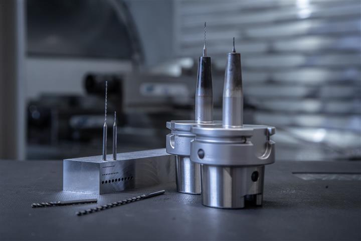 WTX-Micro: Bohrer für den Einsatz in Mikro-Dimension. Bohrtiefen bis 30xD in gewohnter Bohrungsqualität realisierbar.