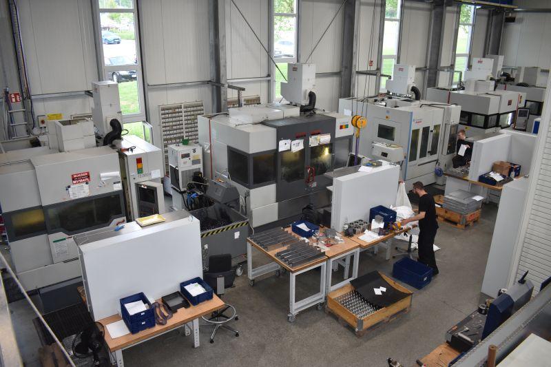 Mit Ausnahme einer Drehmaschine kommen alle bei Kabbo-Tec eingesetzten Maschinen aus den Werkhallen von Quaser.