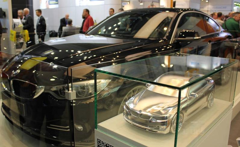 Model and original: BMW ALPINA B4 Bi-Turbo Coupé All-wheel-drive