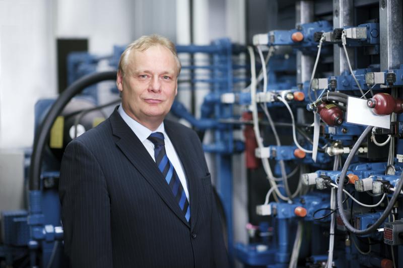 Wolfgang Altmann, der zum 31. März 2015 in den Ruhestand tritt, prägte seit 2004 in verschiedenen Führungsfunktionen die Bosch Rexroth AG.