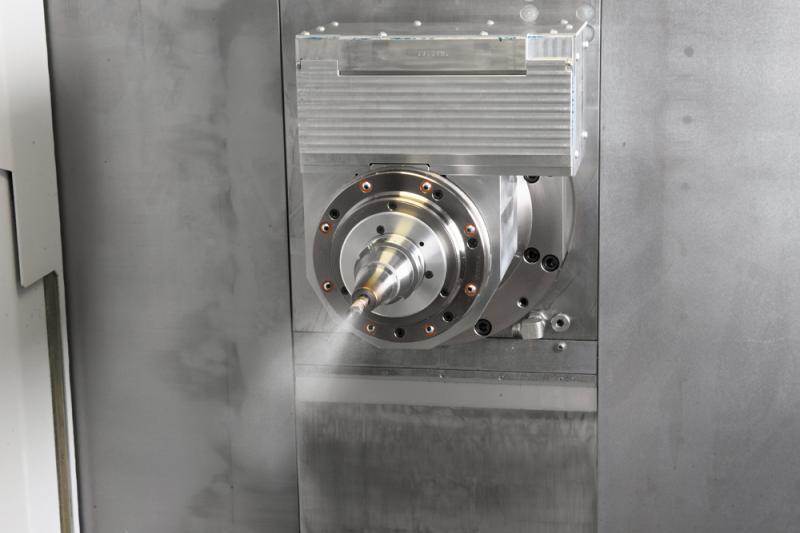 Optionale Nachrüstung: Die kryogene Kühlung mit Kohlendioxid lässt sich laut ISF relativ einfach nachrüsten und bietet sich für Maschinenbauer an, die damit erste Erfahrungen sammeln wollen. Foto: Starrag Group