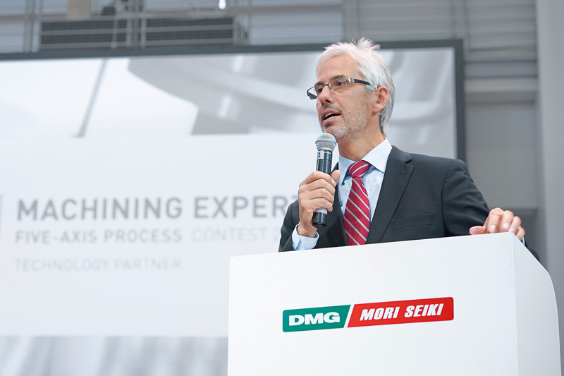Prof. Berend Denkena, Head of the Institute for Production Engineering and Machine Tools (IFW) of the Leibniz Universität Hannover, acknowledged the winners in the categories INNOVATION, CAD/CAM and PROCESS CHAIN