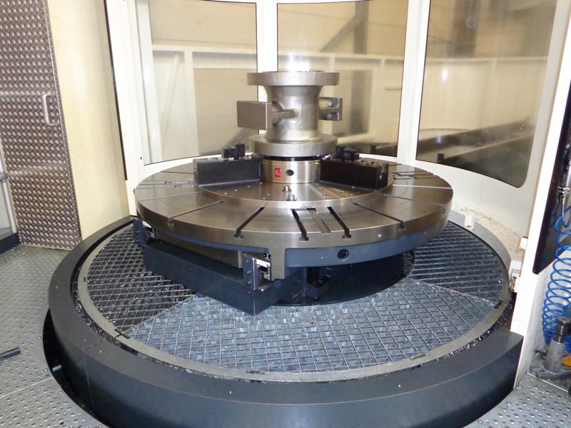 Die Duro-TA XT Futter von Röhm in beeindruckenden 1200 mm Durchmesser zeichnen sich trotz Größe durch eine kompakte Bauweise, Werkstückzugänglichkeit, Flexibilität und Spannkraft aus.