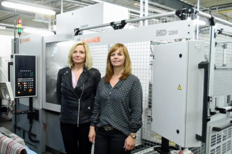 Heike Rieso (left) and Britta Aleth, the two daughters of the founding couple, jointly run the business in Herford, East Westphalia, where they make precision tools. (Photo: Vollmer)
