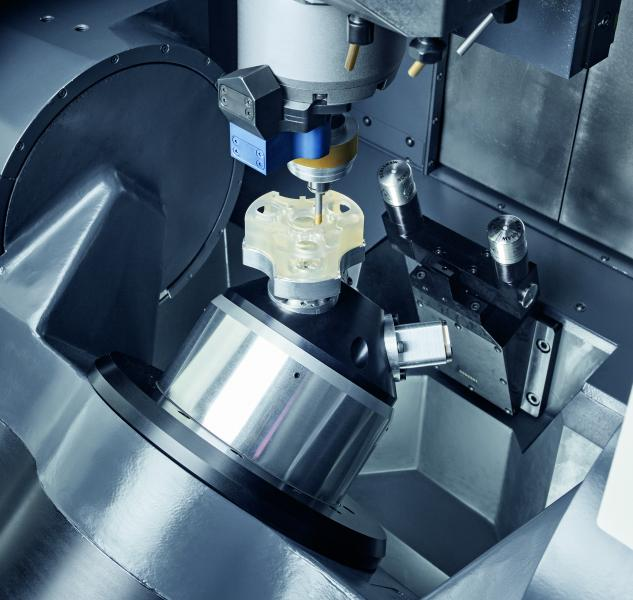 Unique technology integration: ULTRASONIC grinding of Advanced Materials as well as HSC milling on one machine, with 42,000 rpm in the standard.