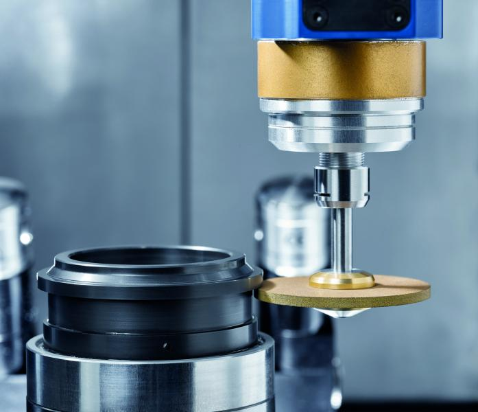 """MT-option"" for outer- / inner cylindrical grinding: the ULTRASONIC 20 linear enables complete machining of rotation symmetrical workpieces with grinding and drilling incl. inner- / peripheral machining in only one clamping."