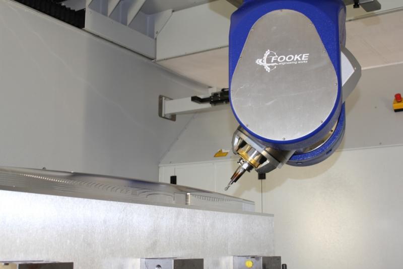Die Fooke GmbH bearbeitete im Vorführzentrum auf ihrem fünfachsigen Bearbeitungszentrum Endura 704Linear an anspruchsvolles Flugzeugmodell aus Aluminium. Die Programmierung übernahm der CAD/CAM-Hersteller Vero Software mit dem System WorkNC.