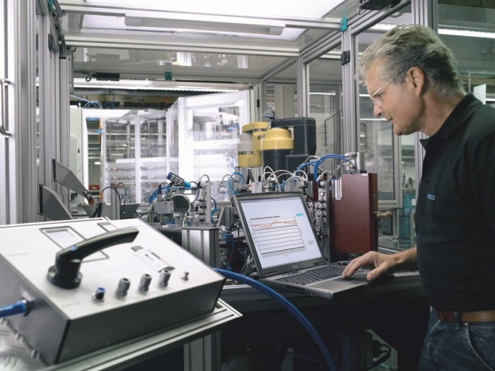 Partner for the EMC² Factory: Festo is contributing to the EU project its expertise in the field of factory and process automation, with technology-independent competence in pneumatic and electrical drive technology, and with its can-do in-house research capabilities. Photo: Festo