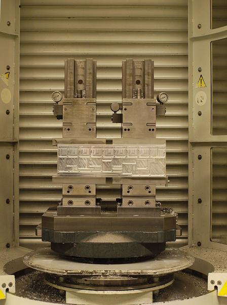 In der Abteilung CNC-Fäsen horizontal werden zu rund 95 Prozent Aluminium verarbeitet. Die Hochgeschwindigkeits-Bearbeitung zählt hierbei zu den besonderen Spezialitäten.