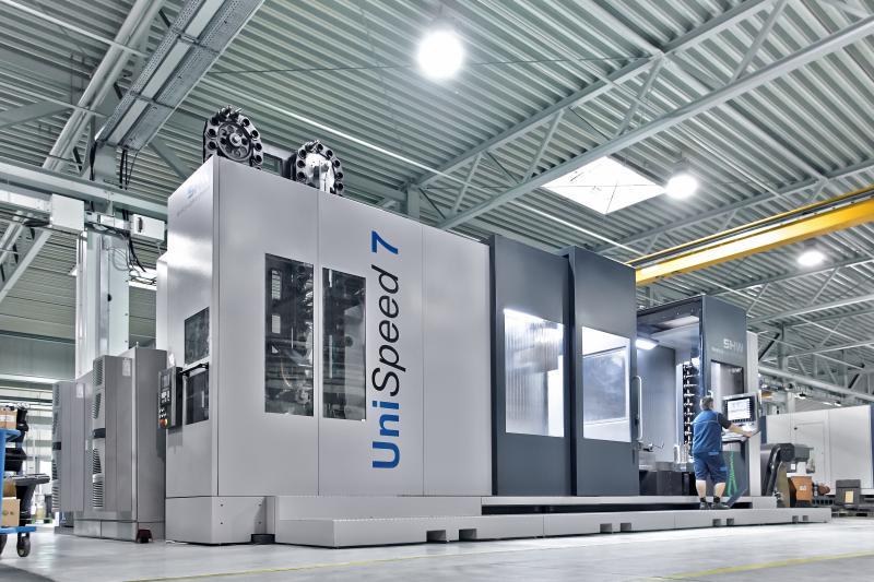 Steigerung von Produktivität und Flexibilität bei der Großteilebearbeitung auf einem UniSpeed 7 Großteile BAZ mit Pendelbearbeitung.
