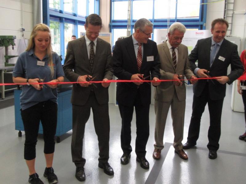 Schweinfurt: Neues Ausbildungszentrum feierlich eingeweiht