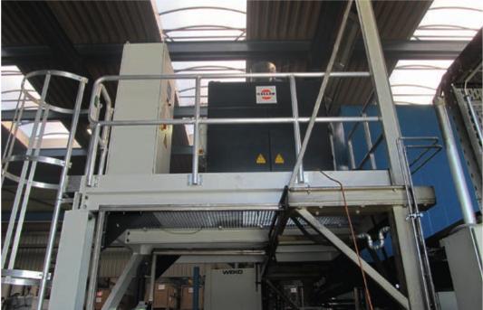 Beim Druckgießen entstehen extrem klebrige Dämpfe – eine echte Herausforderung für jeden Filter. Der Elektroabscheider eLine reinigt die Luft so rein, dass sie in die Halle zurückgeführt werden kann.
