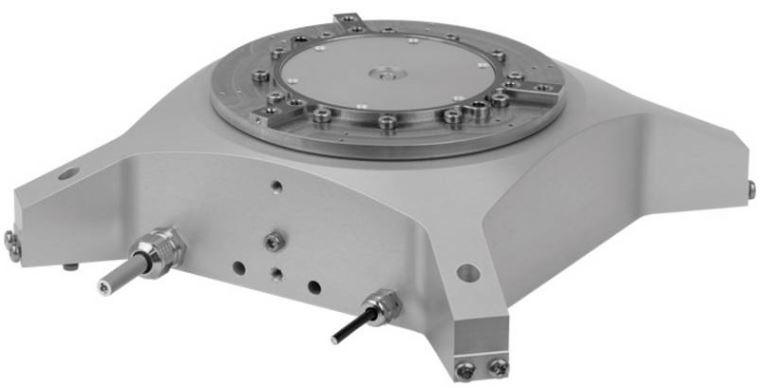 ETEL se enorgullece de introducir oficialmente el DXR+ como nuevo miembro de su gama de módulos. El DXR+ es el módulo rotativo de''nivel básico'', que presenta un diseño compacto, ligero, un amplio eje hueco, y que ofrece el ratio de coste a prestaciones apropiado para apliciaciones de gama media en semiconductor y electrónica. Este producto amplía el número de módulos que pueden ubicarse sobre las plataformas XY existentes. El DXR+ aporta importantes mejoras en términos de rigidez que tienen un impacto directo en el ancho de banda de regulación de la etapa XY que lo soporta.