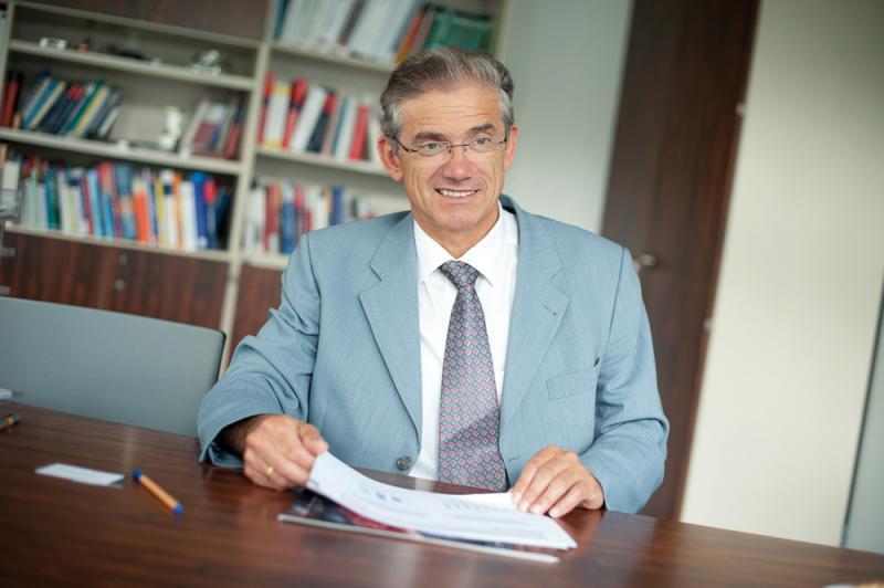 """Eberhard Abele, Präsident der WGP: """"Für die WGP ist Industrie 4.0 ein zentrales Zukunftsthema, dem wir uns in vielen Instituten widmen. Denn nur Unternehmen, die sich diesem Thema öffnen, werden wettbewerbsfähig bleiben."""""""
