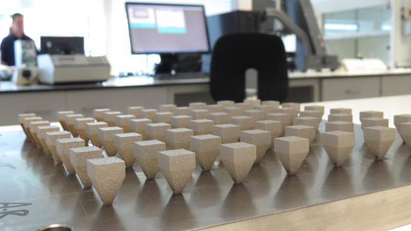 AM test cubes on plate
