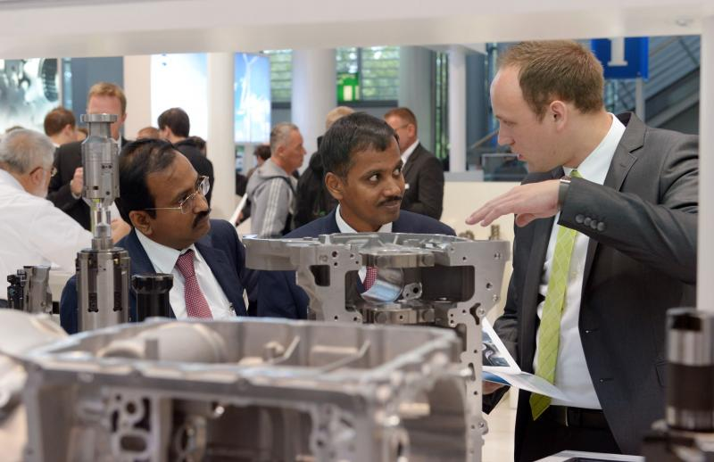 High-ranking experts from India inform about the growing market at EMO Hannover 2017 on 20 September. India sends the second biggest visitor group from outside Europe to EMO Hannover.