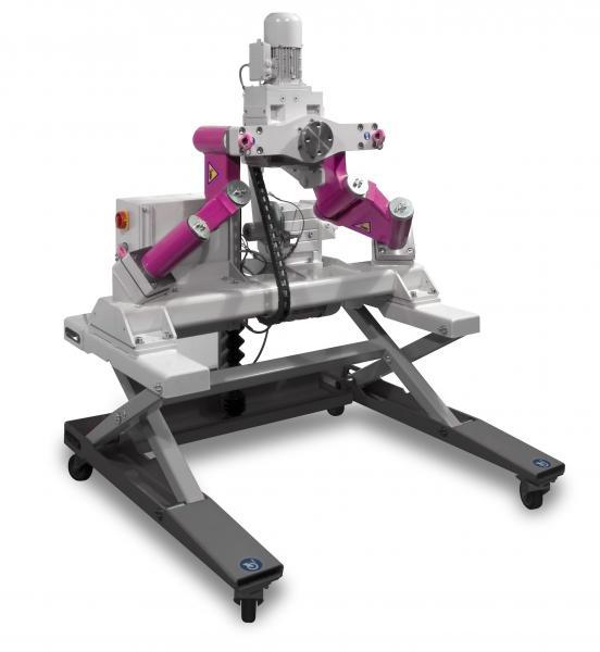 Werkstücke mit bis zu 2.000 kg Gewicht lassen sich mithilfe des Schwerlastmanipulators Centrick verfahren, drehen und kippen