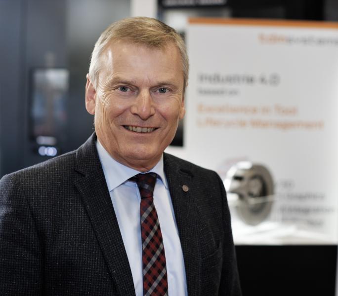 """Peter Schneck, Geschäftsführer der TDM Systems GmbH, Tübingen: """"Mit dem heute technisch Möglichen vervielfältigen sich die Möglichkeiten von Tool Lifecycle Management – die Zukunft liegt in der Cloud."""""""