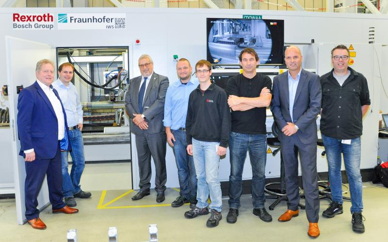 Official release of the upgraded laser cladding process: teamwork from Bosch Rexroth and Fraunhofer-Institute IWS Dresden.