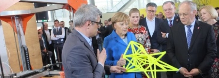 Angela Merkel visits BigRep during CeBIT 2016