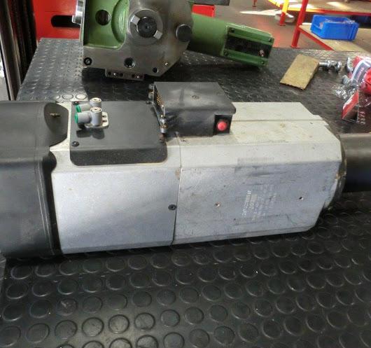 Tauschspindel SCM HSK 63 18K