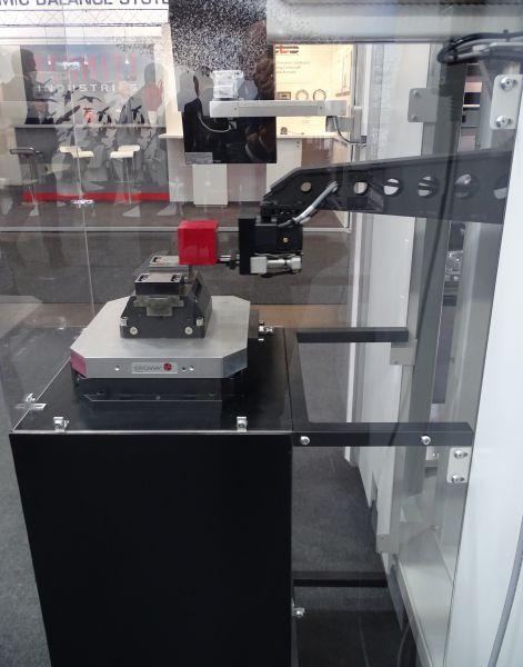 Rohteilehandling ohne Palette mit dem Robot Compact 80