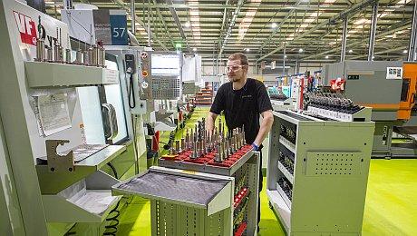 Webinar 6 Ansätze zur Optimierung des Teiledesigns und Reduzierung der Teilekosten in der CNC-Bearbeitung - Proto Labs Germany GmbH