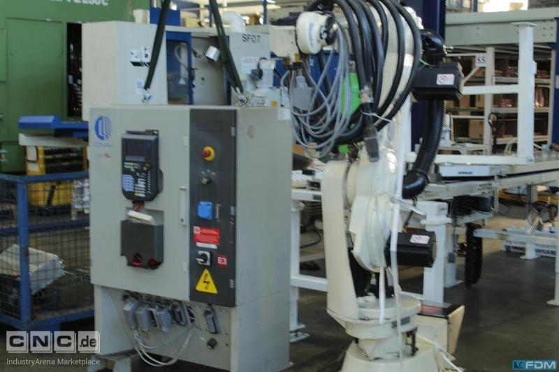 Industrial robots for general industrial applications Comau Smart S2