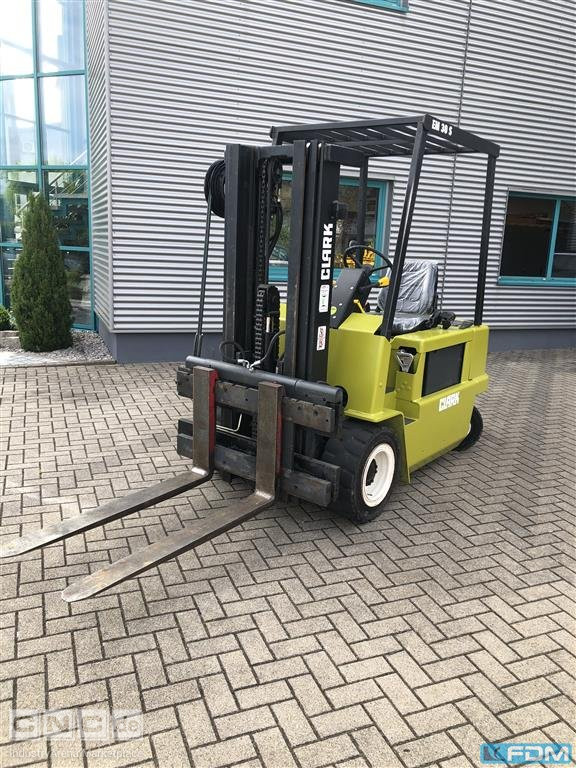 Fork Lift Truck - Electric CLARK EM 30 S