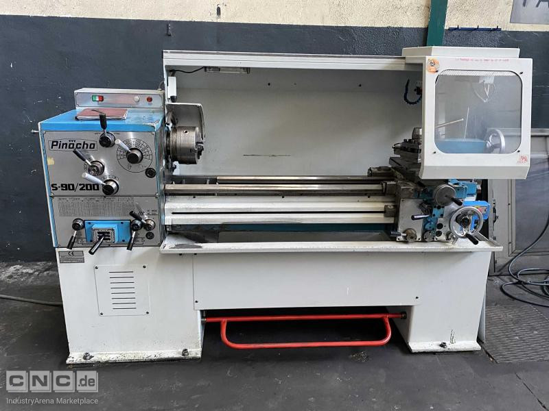 Pinacho S90/200 Conventional Lathe